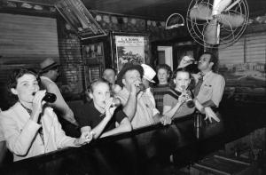 """תרבויות אלכוהול. באר בתקופת היובש בארה""""ב."""
